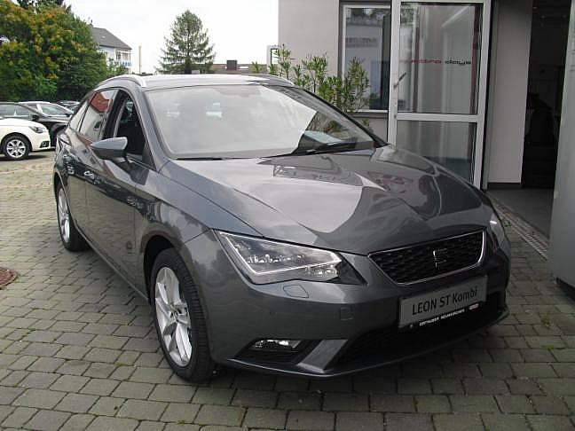 seat leon st style 1 6 tdi cr 4drive fels grau metallic im. Black Bedroom Furniture Sets. Home Design Ideas
